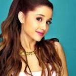 """Ariana Grande contro il bullismo """"Ci sarà sempre qualcuno a cui non piaci, il segreto è volersi bene"""""""
